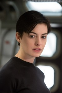 Interstellar-Anne-Hathaway-1
